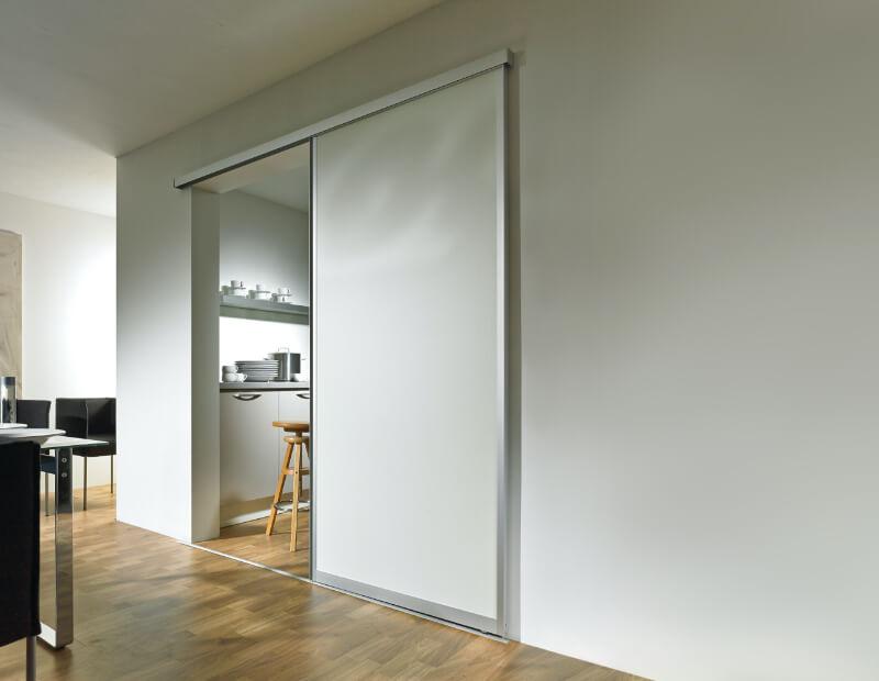 Schiebetüren mit Aluminiumrahmen mit Kombination aus Glas- und Holzschiebetür