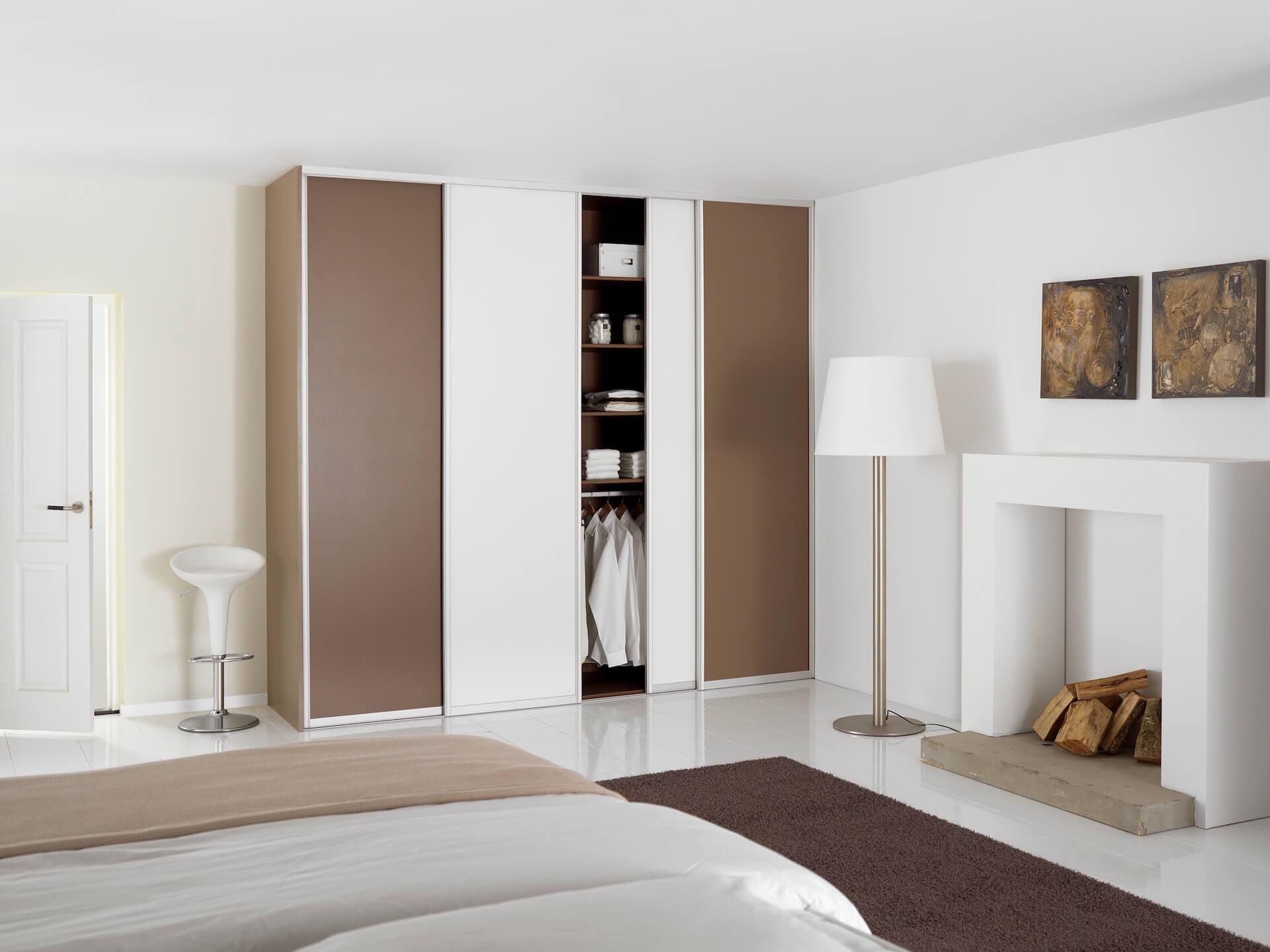 Schrankschiebetür mit Aluminiumrahmen Schlafzimmer Dekor Cappuccino und Weiß
