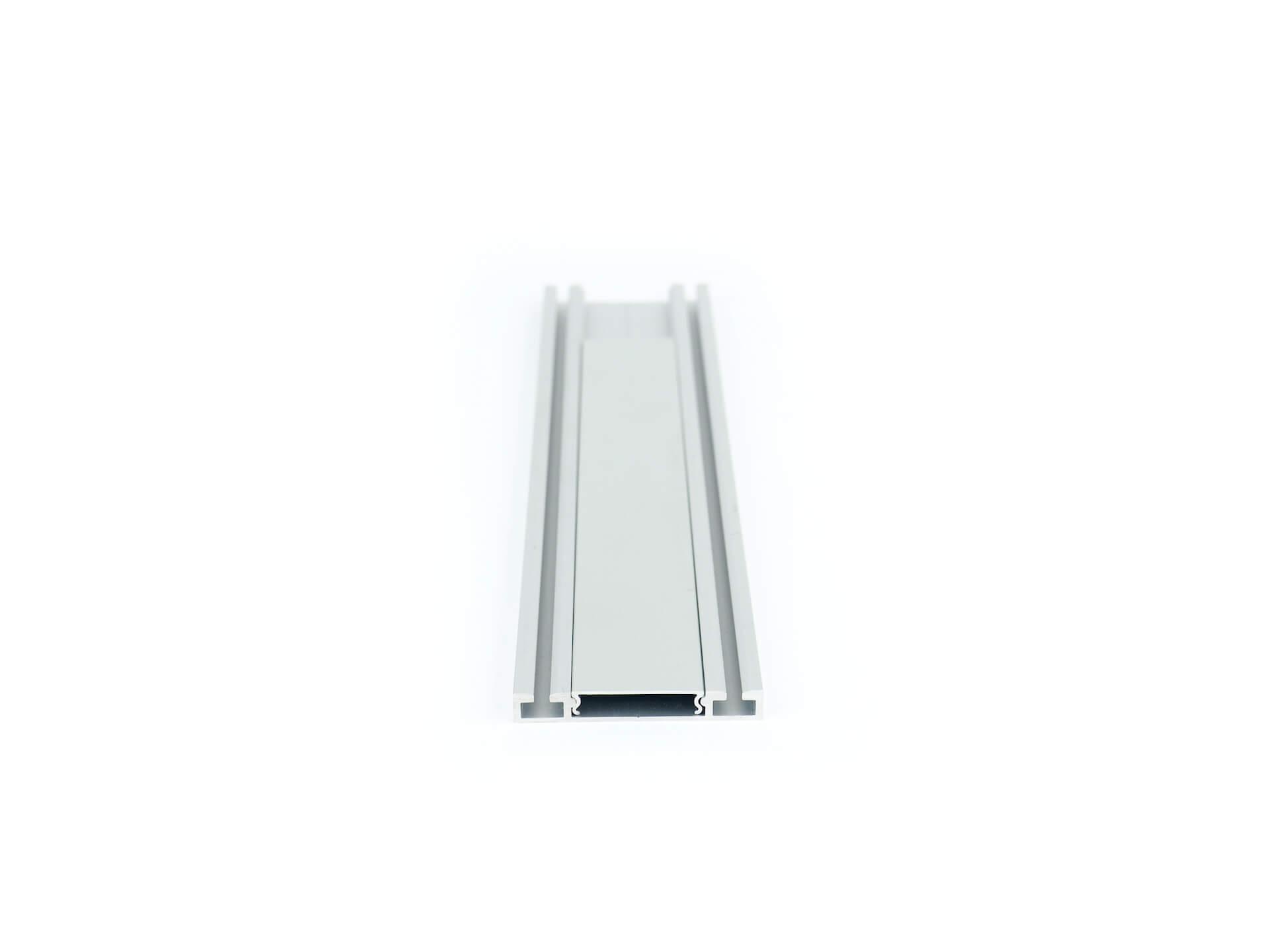 Eingelassene eckige Bodenschiene für Schiebetüren Foto