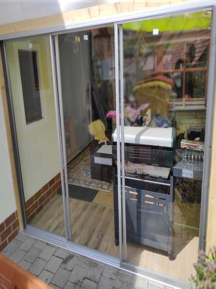 Raumteiler Schiebetüren im Außenbereich