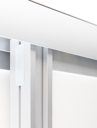 hibitaro Schiebetür mit Aluminium Griffprofil